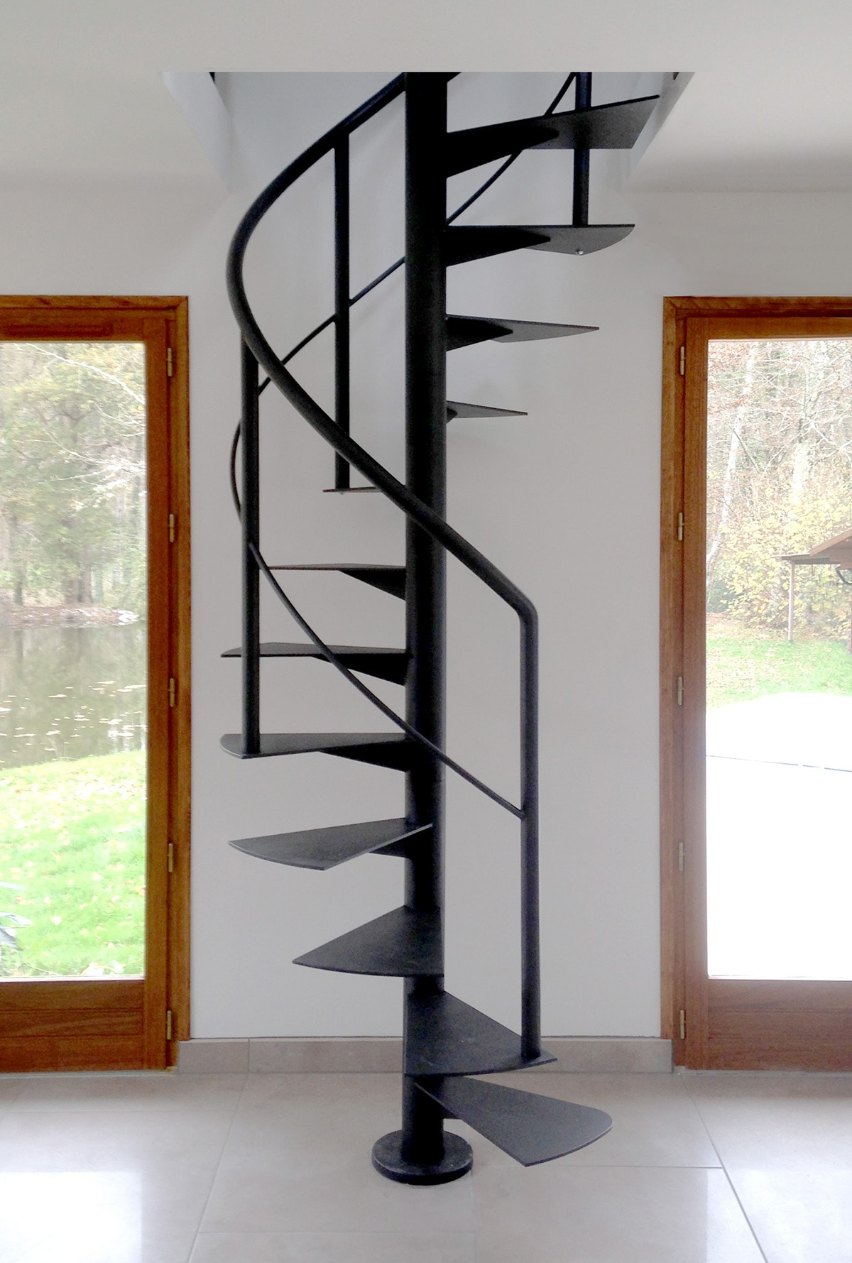 Picture of: Newliving Scale Spiral Staircase